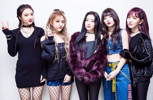 Korean Fashion Trends - Outfits inspired by K-pop videos - banner