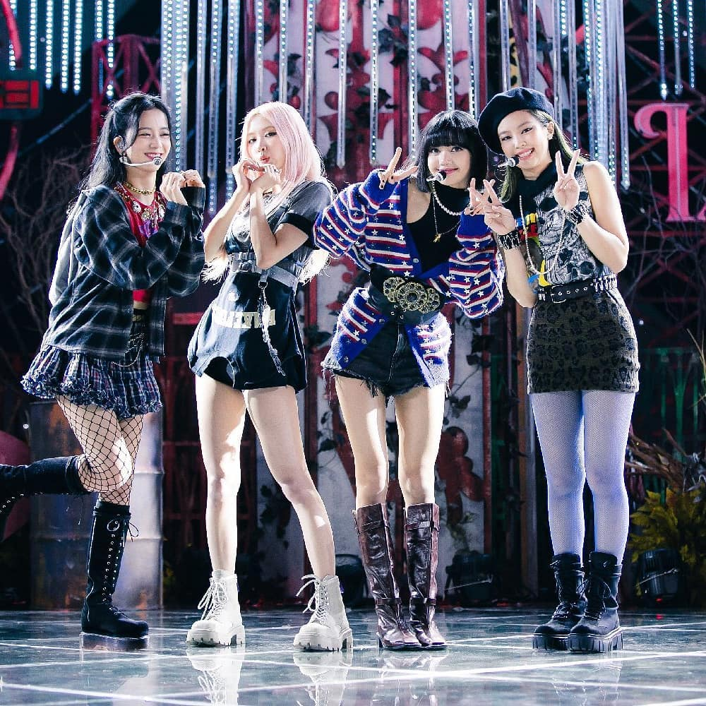 Korean Fashion Trends- what can wear to a kpop concert